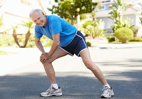 Đi bộ có tốt cho người bệnh thoái hóa khớp gối không